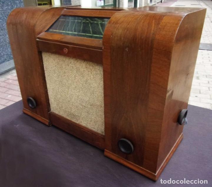 Radios de válvulas: ANTIGUA RADIO PHILIPS 461. FUNCIONANDO. 125 V. AÑOS 1937. ORIGINAL DE ÉPOCA. BUEN ESTADO. - Foto 8 - 178765505