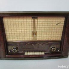 Radios de válvulas: RADIO PHILIPS - MODELO BE-762-A - CAJA DE MADERA - AÑOS 50. Lote 179026201