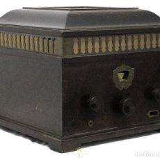 Radios de válvulas: PRECIOSA RADIO ANTIGUA DE VÁLVULAS, MARCA STERN & STERN, FABRICADA EN EL AÑO 1930,. Lote 179075260