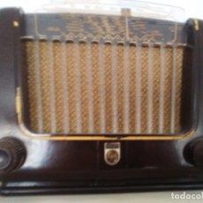 Radios de válvulas: RADIO ANTIGUA PHILIPS. Lote 179096465