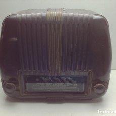 Radios de válvulas: PEQUEÑA RADIO MARCA TELEFUNKEN - MODELO OPERETA DE BAQUELITA - NO PROBADA. Lote 179343842