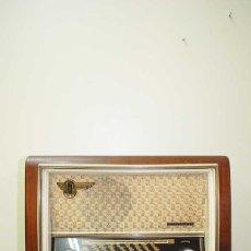 Radios de válvulas: RADIO ANTIGUA TELEFUNKEN. Lote 179950302