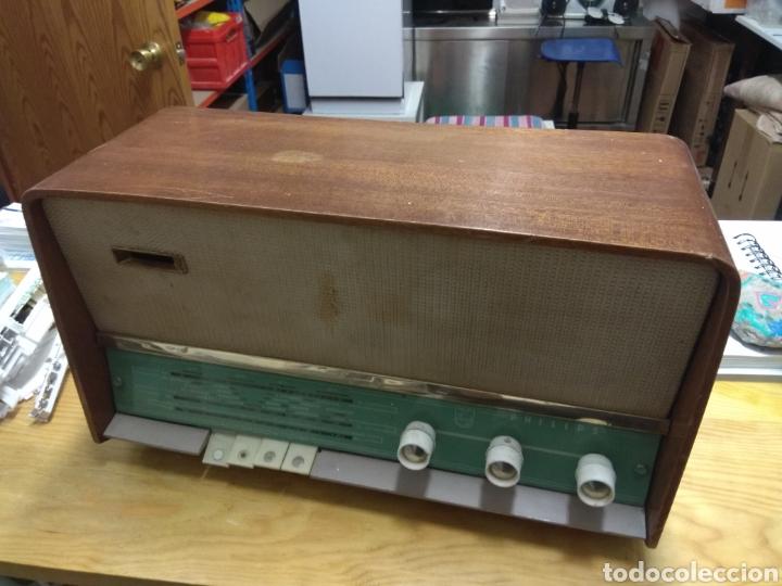 Radios de válvulas: Radio antigua Philips - Foto 2 - 180074762