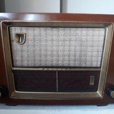 Radios de válvulas: ANTIGUA RADIO PHILIPS BE-552-A. RESTAURADA Y REPARADA.. Lote 180313748