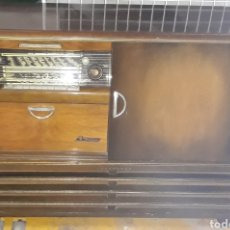 Radios de válvulas: MUEBLE RADIO TOCADISCOS NORMENDE ISABELLA. Lote 180954800