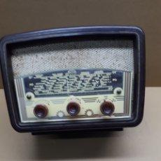 Radio a valvole: PEQUEÑA RADIO LE REGIONAL TIPO 57 A. FUNCIONA. MIDE EN CMS 24X14X17. Lote 181163978