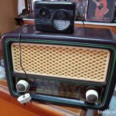 Radios de válvulas: ANTIGUA RADIO BAQUELITA INVICTA MODELO 5322 FUNCIONA. Lote 181555062