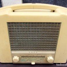 Radios de válvulas: ANTIGUA RADIO EKCO. FUNCIONANDO. 220 V. ORIGINAL DE ÉPOCA. BAQUELITA.. Lote 181957116