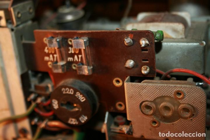 Radios de válvulas: Muy bonita Radio de válvulas Tungsram 4500, no funciona, para decoracion o para reparar - Foto 23 - 116833796