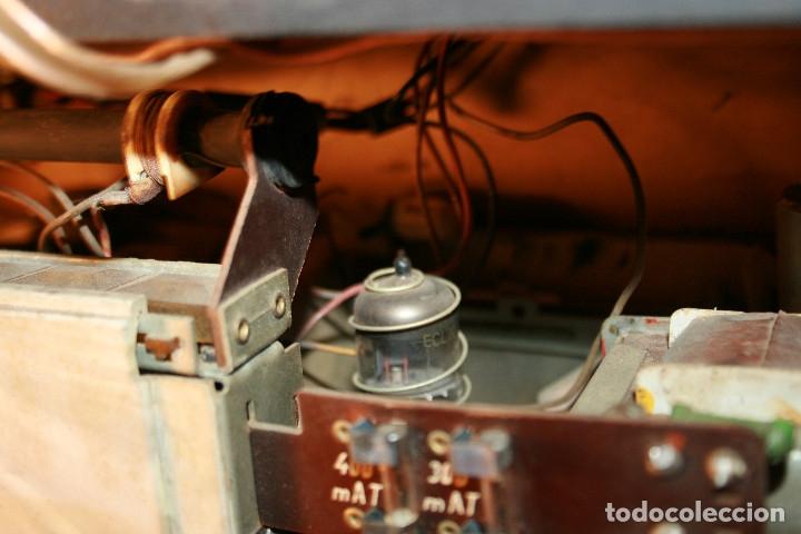 Radios de válvulas: Muy bonita Radio de válvulas Tungsram 4500, no funciona, para decoracion o para reparar - Foto 24 - 116833796