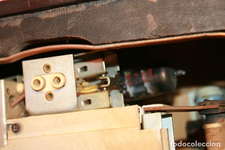 Radios de válvulas: Muy bonita Radio de válvulas Tungsram 4500, no funciona, para decoracion o para reparar - Foto 25 - 116833796