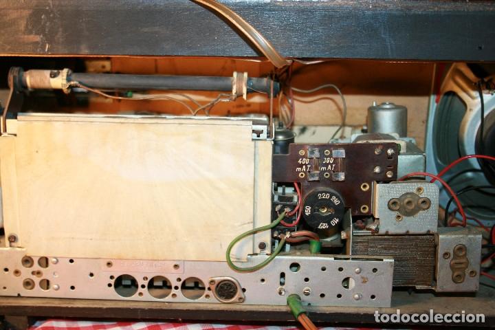 Radios de válvulas: Muy bonita Radio de válvulas Tungsram 4500, no funciona, para decoracion o para reparar - Foto 26 - 116833796