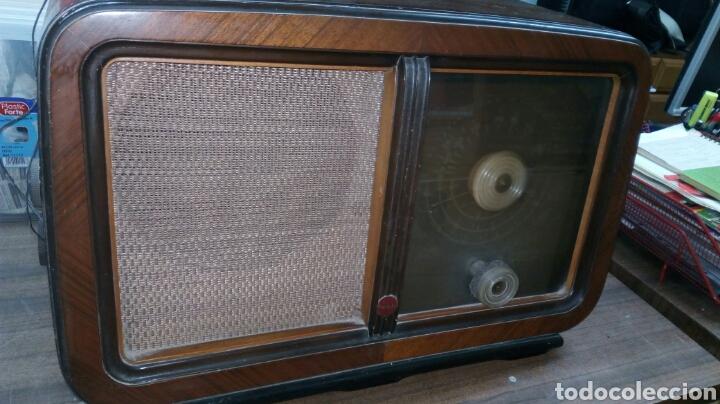 Radios de válvulas: Radio Antigua Invicta Modelo 5402 - Foto 2 - 183179627