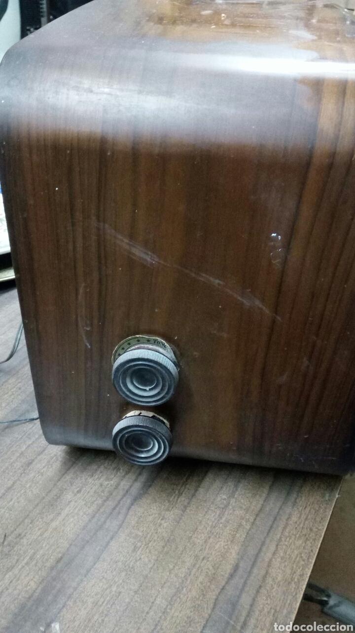 Radios de válvulas: Radio Antigua Invicta Modelo 5402 - Foto 3 - 183179627
