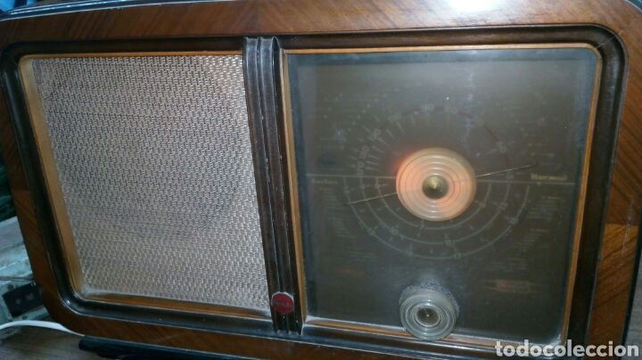 RADIO ANTIGUA INVICTA MODELO 5402 (Radios, Gramófonos, Grabadoras y Otros - Radios de Válvulas)
