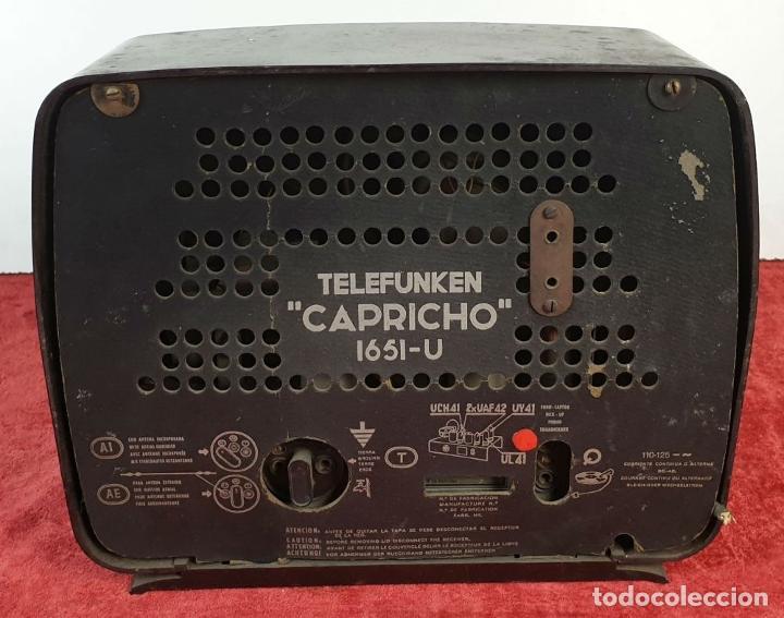 Radios de válvulas: RADIO A VÁLVULAS TELEFUNKEN CAPRICHO 1651-U. BAQUELITA. CIRCA 1950. - Foto 3 - 183643336