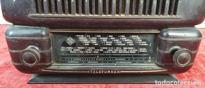 Radios de válvulas: RADIO A VÁLVULAS TELEFUNKEN CAPRICHO 1651-U. BAQUELITA. CIRCA 1950. - Foto 5 - 183643336