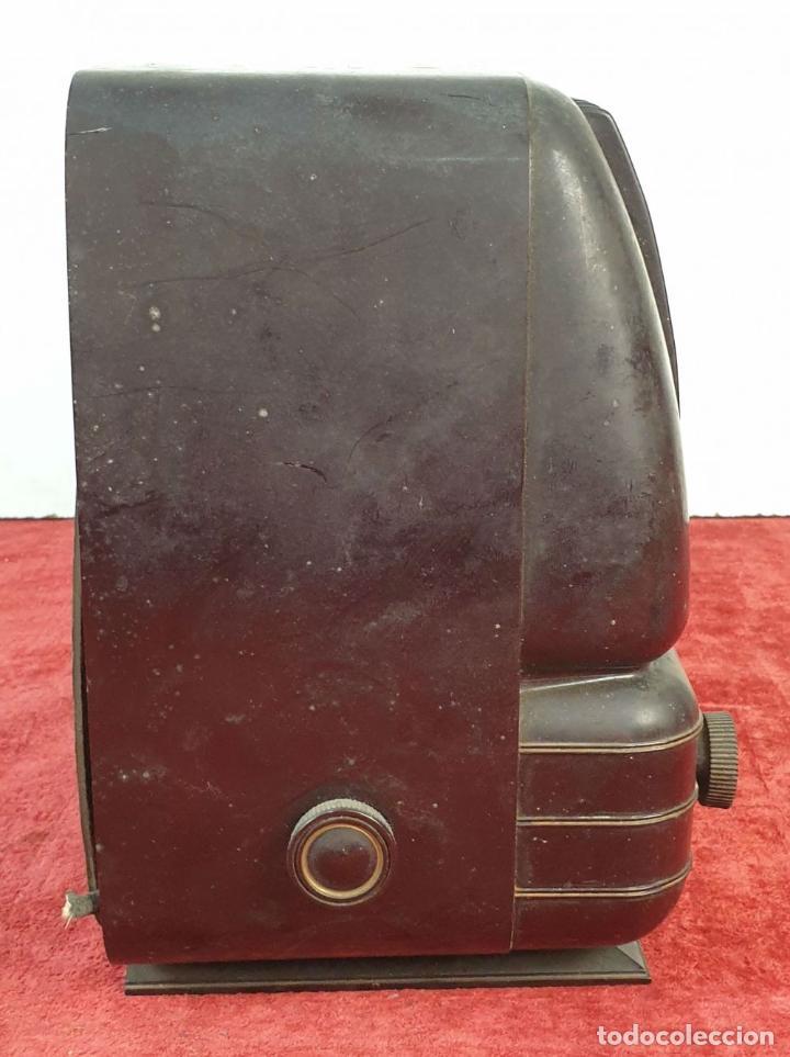 Radios de válvulas: RADIO A VÁLVULAS TELEFUNKEN CAPRICHO 1651-U. BAQUELITA. CIRCA 1950. - Foto 9 - 183643336