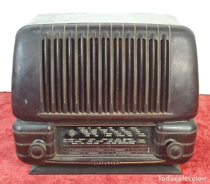 RADIO A VÁLVULAS TELEFUNKEN CAPRICHO 1651-U. BAQUELITA. CIRCA 1950. (Radios, Gramófonos, Grabadoras y Otros - Radios de Válvulas)