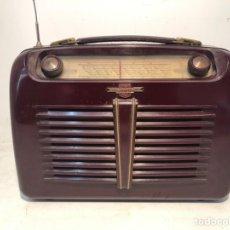 Radios de válvulas: RADIO LORENZ WEEKEND DE BAQUELITA PORTABLE, 1953.. Lote 183999261