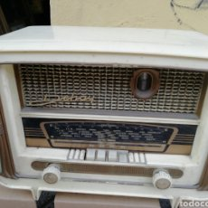 Radios de válvulas: PRECIOSA RADIO DEHAY. Lote 184083450