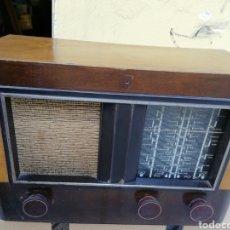 Radios de válvulas: PEQUEÑA RADIO ANTIGUA, PRECIOSA. Lote 184083740