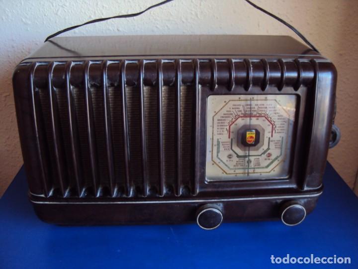 (RA-191100)RADIO DE BAQUELITA PHILIPS (Radios, Gramófonos, Grabadoras y Otros - Radios de Válvulas)