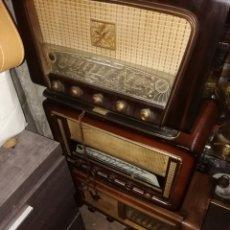 Radios de válvulas: LOTE DE 3 RADIOS ANTIGUAS. Lote 185961396