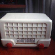 Radios de válvulas: RADIO PEQUEÑA BAQUELITA. Lote 185984146