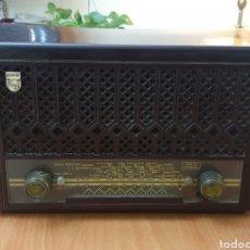 Radios de válvulas: ANTIGUA RADIO PHILIPS MOD. BE-221-U - VINTAGE AÑOS 40-50. Lote 186169315