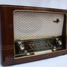 Radios de válvulas: ANTIGUA RADIO DE VÁLVULAS SCHAUB, ESTADO ORIGINAL, MUY BIEN CONSERVADA, BUEN SONIDO (VER VÍDEO). Lote 186294598