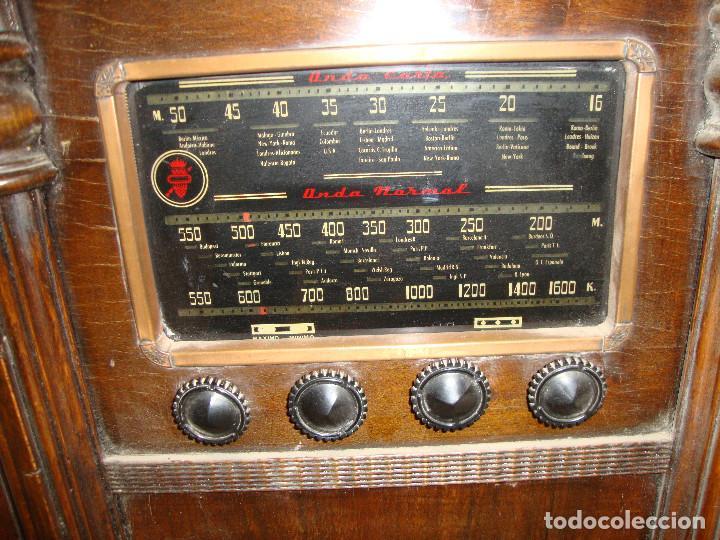 Radios de válvulas: BONITA RADIO TOCOADISCOS DE MADERA DESCONOCEMOS MARCA Y MODELO VER FOTOS - Foto 2 - 187183205