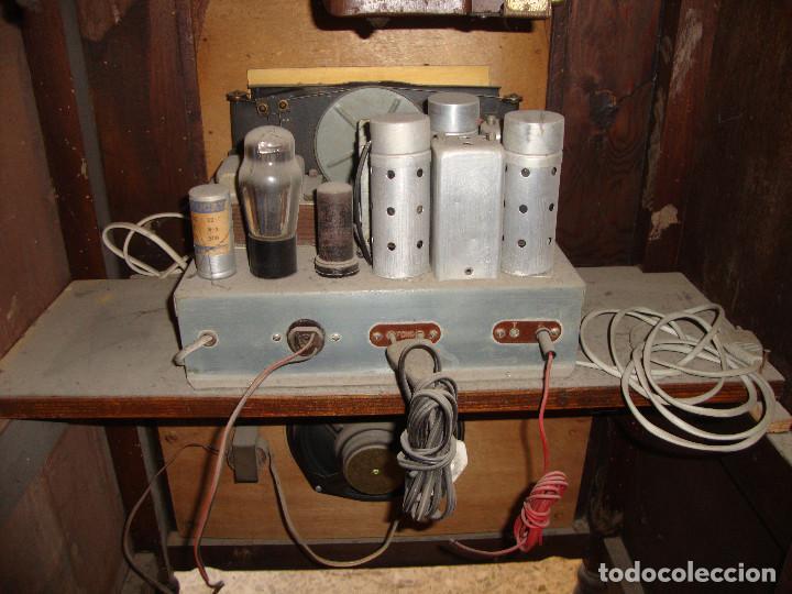 Radios de válvulas: BONITA RADIO TOCOADISCOS DE MADERA DESCONOCEMOS MARCA Y MODELO VER FOTOS - Foto 9 - 187183205