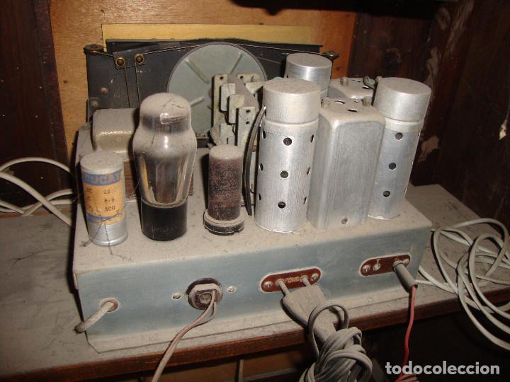 Radios de válvulas: BONITA RADIO TOCOADISCOS DE MADERA DESCONOCEMOS MARCA Y MODELO VER FOTOS - Foto 10 - 187183205