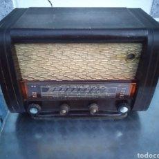 Radios de válvulas: RADIO DE VÁLVULAS FUNCIONANDO. Lote 189212936