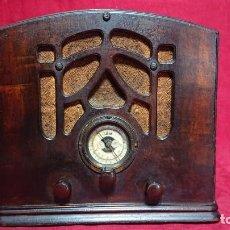 Radios de válvulas: RADIO SEMICAPILLA AMERICANA MARCA ATLAS -RCA - EPOCA ART DECO SINTONIZANDO EMISORAS. Lote 189247927