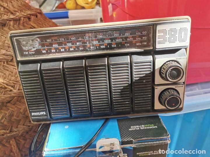 ANTIGUA RADIO PHILIPS FUNCIONANDO A FALTA DE ANTENA (Radios, Gramófonos, Grabadoras y Otros - Radios de Válvulas)