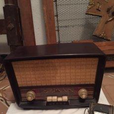 Radios de válvulas: RADIO ANTIGUA MARCA ASKAR CON TRANSFORMADOR. Lote 189328497