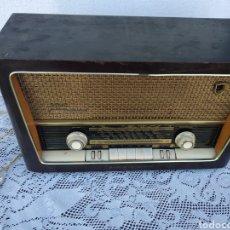 Radios de válvulas: RADIO GRUNDIG TYPE 2068 FUNCIONANDO. Lote 189556103