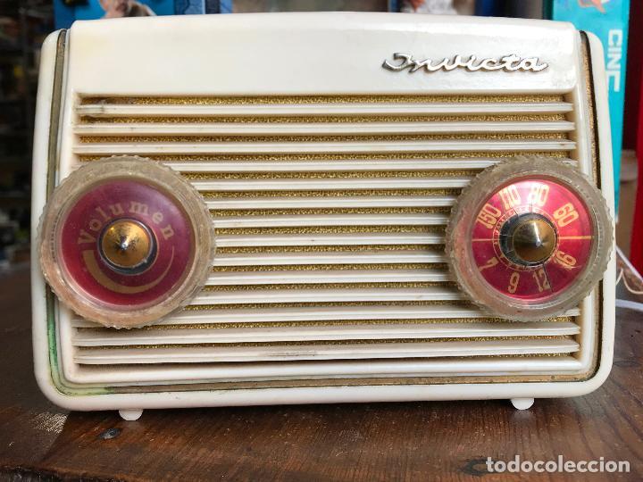 RADIO MINIATURA INVICTA MODELO MASCOTA 4213 - FUNCIONANDO (Radios, Gramófonos, Grabadoras y Otros - Radios de Válvulas)