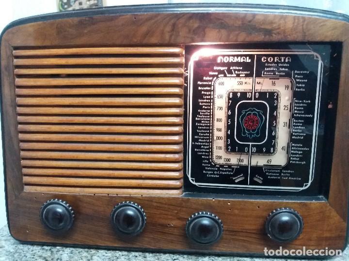 RADIO * BAYONA MODELO M. 205 * CAJA MADERA - AÑO 1949 (Radios, Gramófonos, Grabadoras y Otros - Radios de Válvulas)