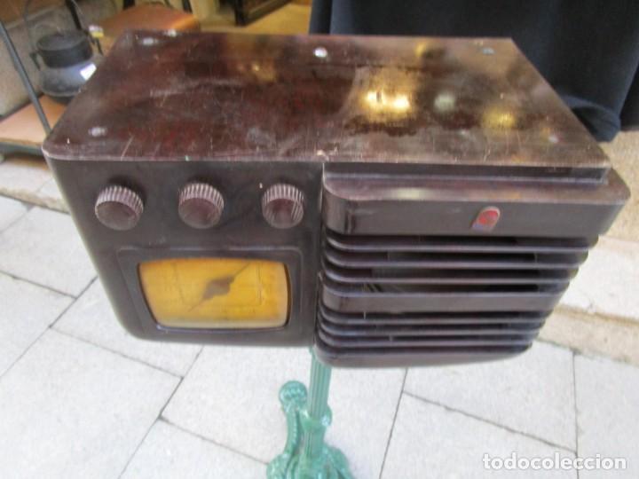 Radios de válvulas: ANTIGUA RADIO BAKELITA PHILIPS MODELO 490 LN - MADE IN USA - RARA - NO FUNCIONA+ INFO - Foto 11 - 190858698