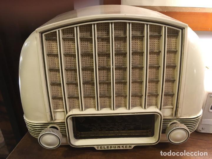 RADIO DE BAQUELITA TELEFUNKEN MARIMBA FUNCIONANDO CON TRANSFORMADOR A 125 V. 18X24X14 CMS (Radios, Gramófonos, Grabadoras y Otros - Radios de Válvulas)