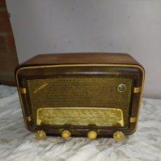 Radios de válvulas: PRECIOSA RADIO ANTIGUA DE VÁLVULAS DUCASTEL. Lote 191107175
