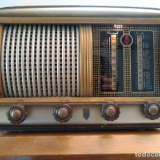 Radios à lampes: RADIO ANTIGUA ESPAÑOLA A VALVULAS FUNCIONA. Lote 191481781