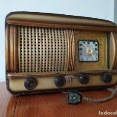 Radios de válvulas: RADIO A VALVULAS ANTIGUA EN MADERA FUNCIONANDO. Lote 191893435