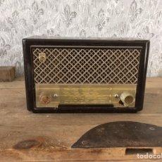 Radios de válvulas: RADIO PHILIPS BG 200U.AÑO 1951. Lote 192146852
