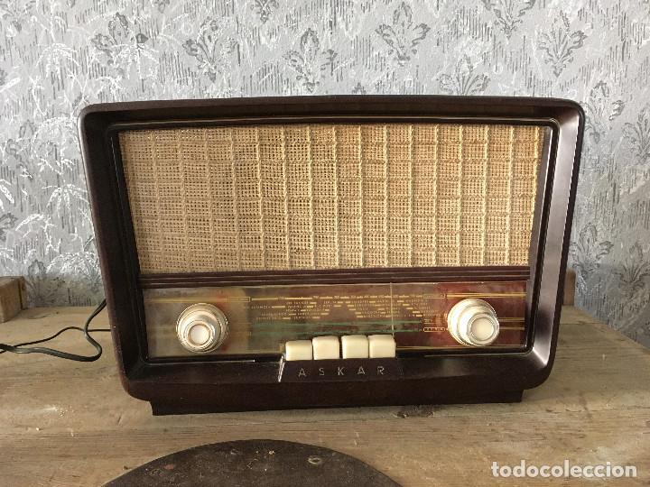 RADIO ASKAR BAQUELITA. FUNCIONANDO A 125 VOLTIOS (USANDO TRANSFORMADOR) (Radios, Gramófonos, Grabadoras y Otros - Radios de Válvulas)