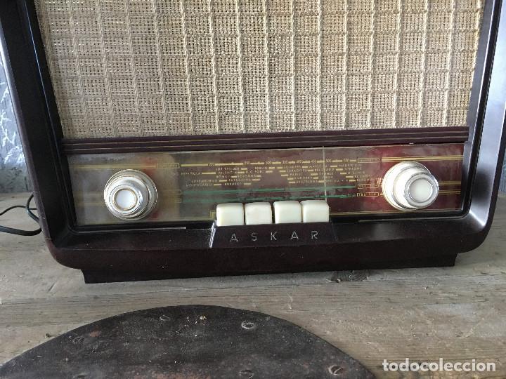 Radios de válvulas: Radio Askar Baquelita. Funcionando a 125 Voltios (Usando transformador) - Foto 2 - 192174440
