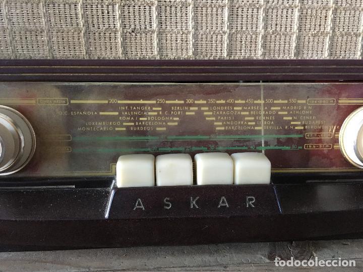Radios de válvulas: Radio Askar Baquelita. Funcionando a 125 Voltios (Usando transformador) - Foto 3 - 192174440